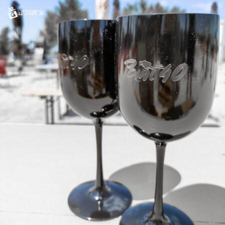 Point 40 - plastové poháre s gravírom